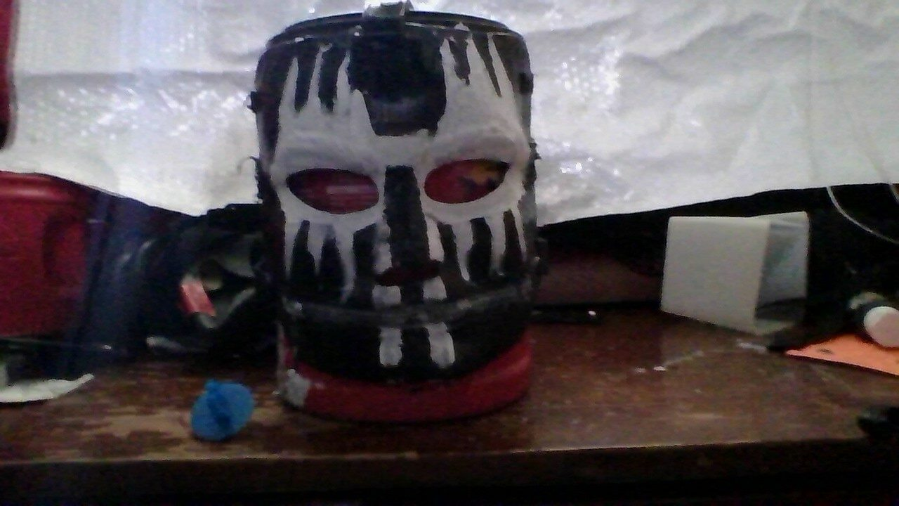 My mask but its an old pic and stillworking on the jaw